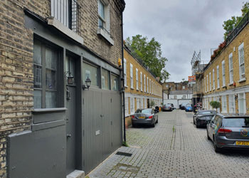 Self-contained Office/Studio in Gated Mews to Let, 381 sq ft (38.8 sq m), 1b Kensington Park Mews, Notting Hill, London W11 | JMW Barnard Commercial Property Agents'; ?>