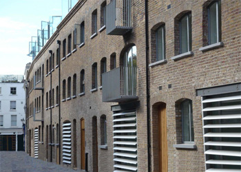 Self Contained Office/Showroom To Let, 224 sq ft (20.8 sq m), 14 Powis Mews, Notting Hill, London, W11 | JMW Barnard Commercial Property Agents'; ?>
