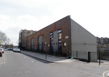 Self Contained Business Unit to Let, 600 sq ft (55.8 sq m), 2 Southm Street, North Kensington, London, W10