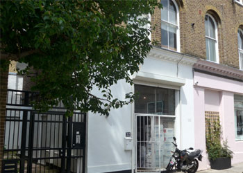 >Showroom/Office to Let with storage, 663 sq ft (61.6 sq m), 32 Faraday Road, North Kensington, London, W2