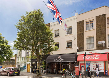 Freehold Licensed A3 Restaurant For Sale, 1,122 sq ft nia (104.3 sq m), 323 Portobello Road, London W10