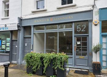 >Ground Floor Shop / Office Unit to Let – Other Class E uses considered, 356 sq ft (33 sq m), Ground Floor, 52 Pembroke Road, Kensington, London W8