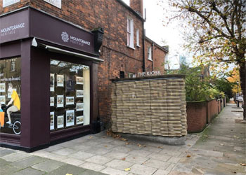 Florist Kiosk To Let - Award winning design, Prominent Corner Site, 59 St Helens Gardens, North Kensington, London, W10 | JMW Barnard Commercial Property Agents'; ?>
